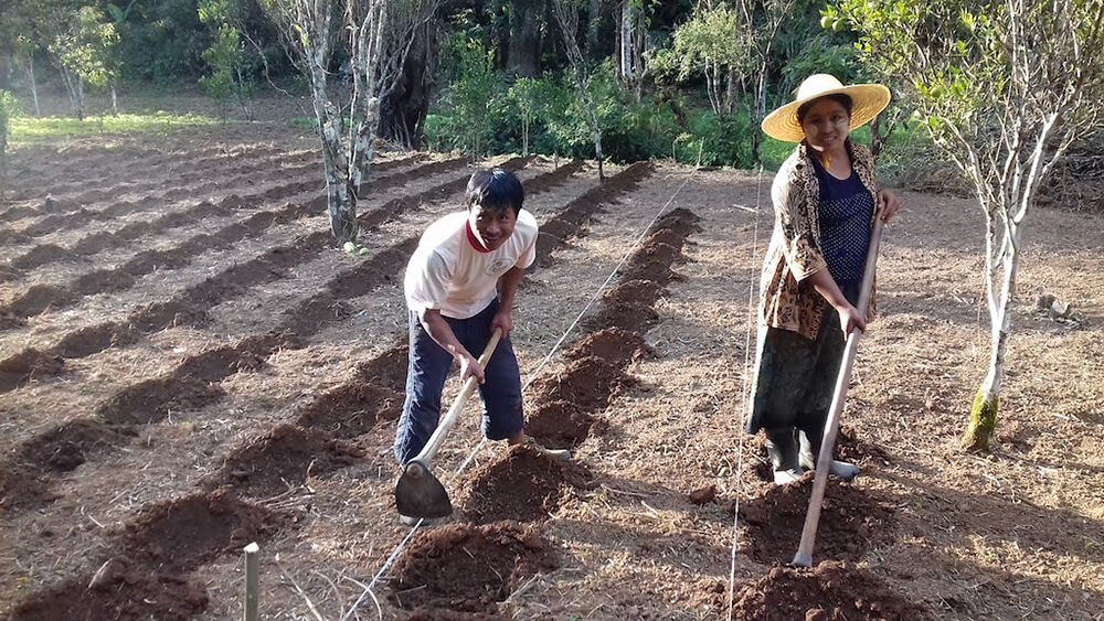 ミャンマーの農家の人たち
