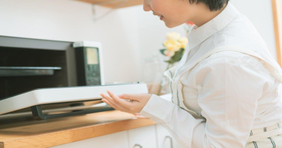 電子レンジの汚れは「チン」で解決!簡単にできる掃除方法を紹介
