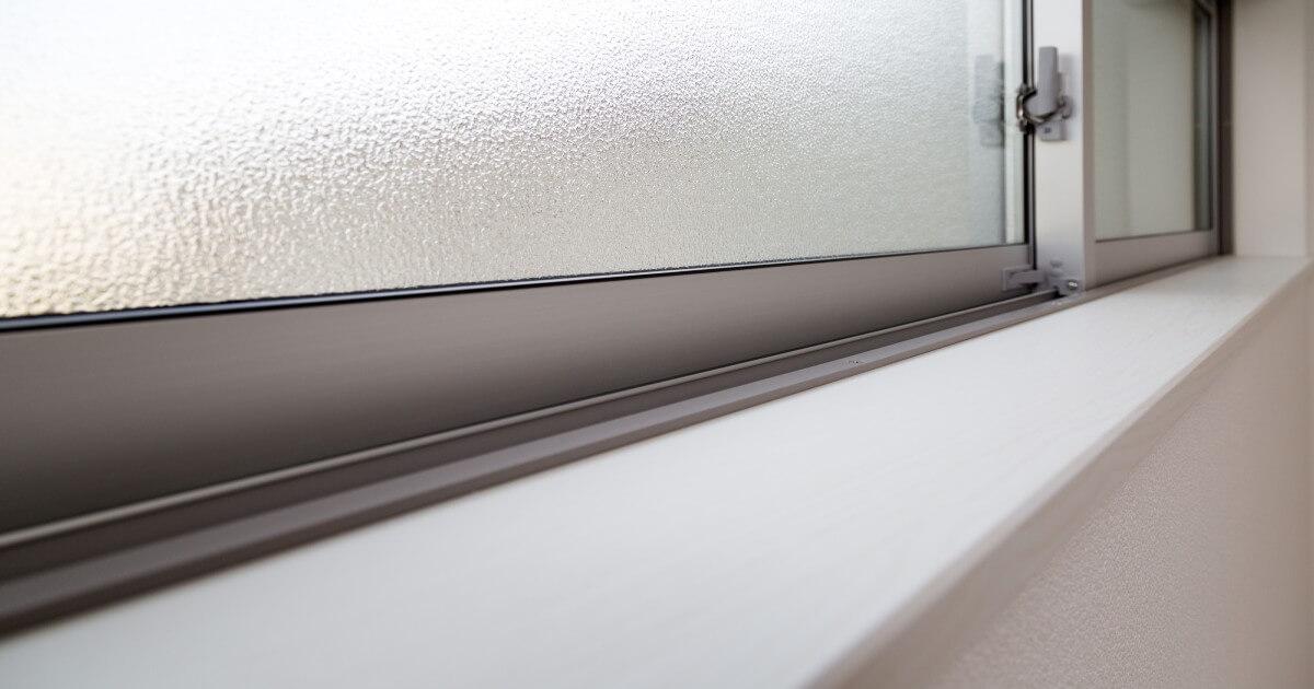 窓のサッシ掃除を簡単に!家にあるものでスッキリ解決