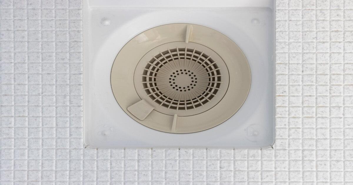 お風呂の排水口をいつもピカピカに!ガンコ汚れの掃除方法と予防ケア