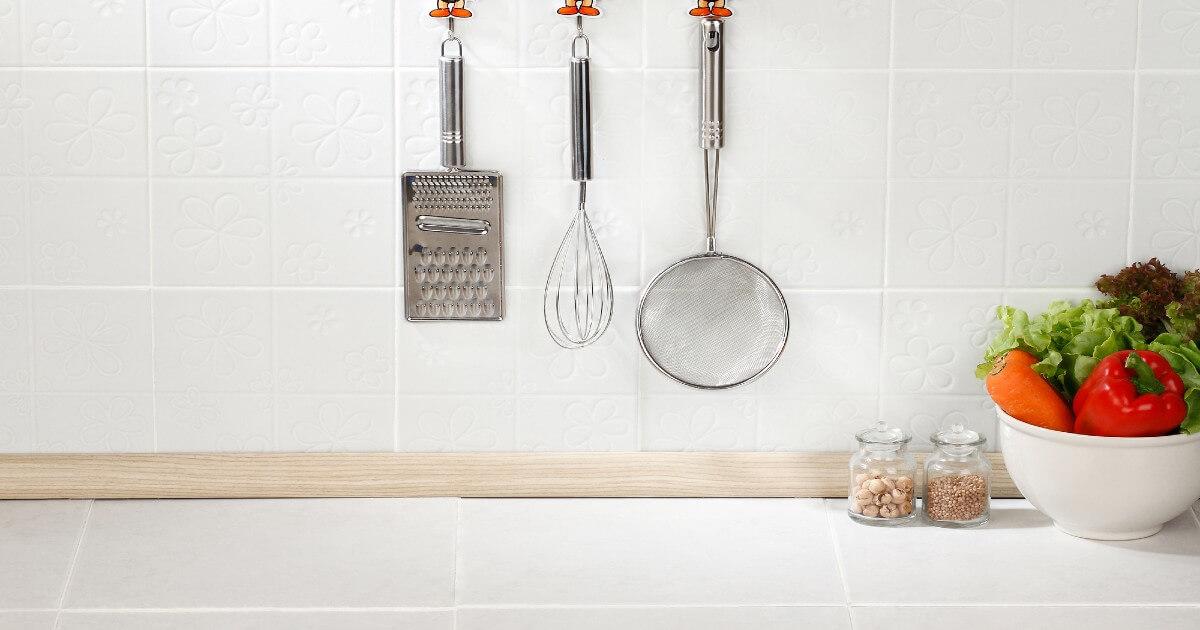 キッチンのタイル壁の汚れは油が原因!簡単に落ちる掃除方法と予防方法